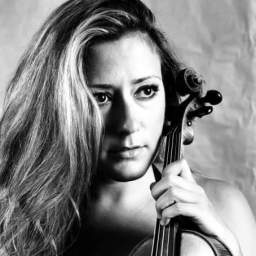 Μαρία Λούκα στο βιολί